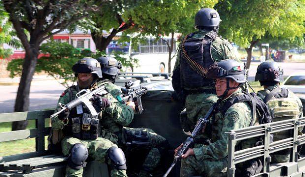 Meksika'nın çetelerle savaşı...Tonlarca uyuşturucu ele geçirildi