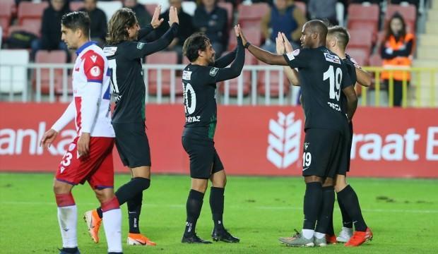 Kupada 8 gollü maç! Denizlispor avantajı aldı!