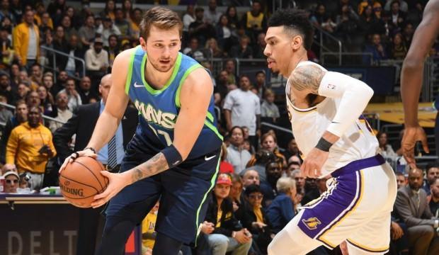 Dallas Mavericks, Lakers'ın 10 maçlık serisini bitirdi!