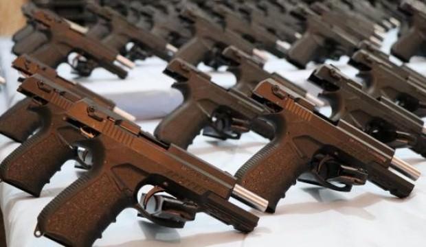 Jandarma'dan tarihi operasyon! Yüzlerce silah...