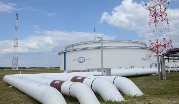 Ukrayna ve Rusya petrol anlaşmasını 10 yıl uzattı