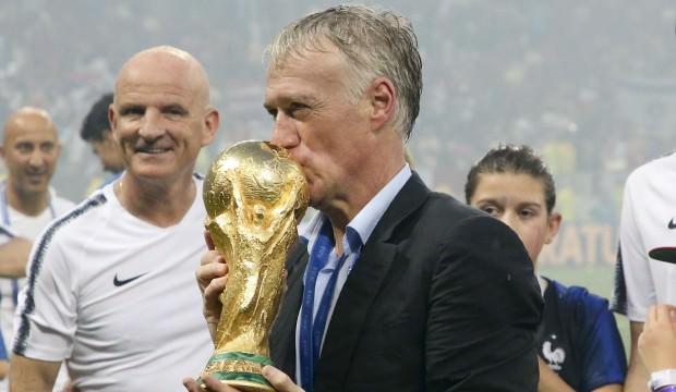 Didier Deschamps'tan 3 yıllık imza