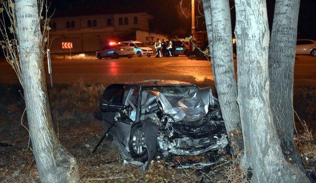 Kırıkkale'de ağaca çarpan sürücü hayatını kaybetti