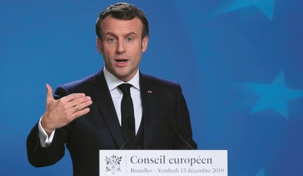 Macron emekli maaşından vazgeçti!