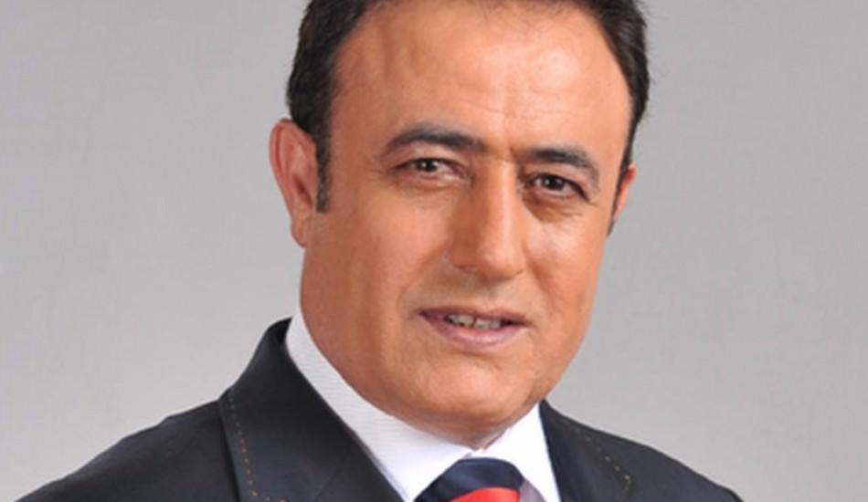 Mahmut Tuncer eldiven ve maske kullanımına dikkat etmiyor