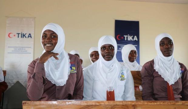 TİKA'nın desteğiyle Ugandalı öğrenciler yeni sınıflarına kavuştu
