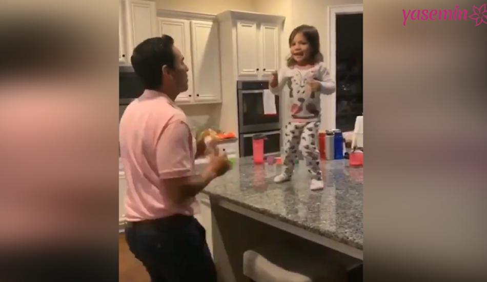 Baba-kızın gülümseten dansı!