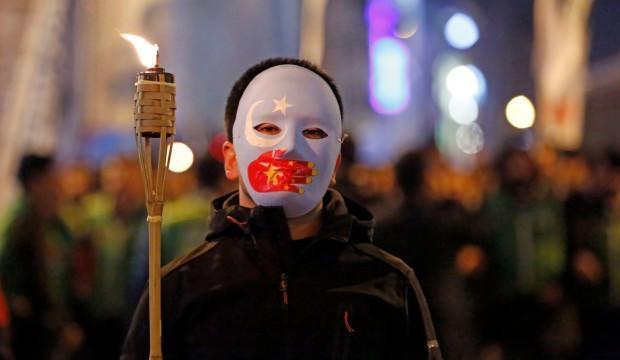Çin'den Doğu Türkistan'da doğum kontrolü zulmü!
