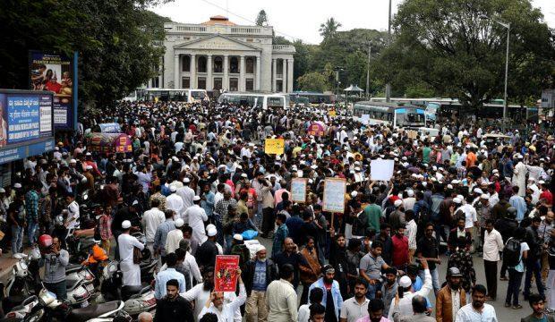 Hindistan'da vatandaşlık krizi sürüyor: 3 kişi hayatını kaybetti
