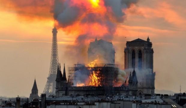 Notre Dame Katedrali'nin papazı: Yapının kurtulma ihtimali yüzde elli