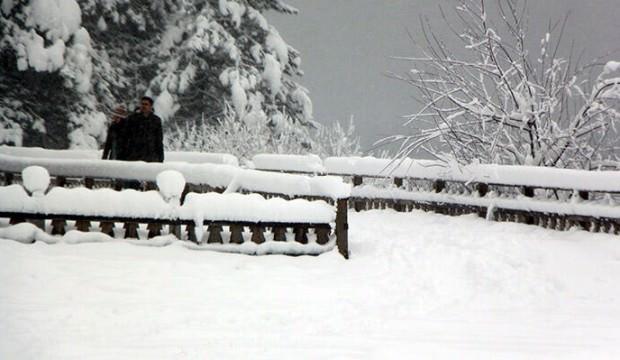Abant'ta kar kalınlığı 1 metreyi aştı