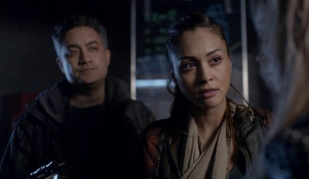 Clarke ve Arkadaşları Köşeye Sıkışır!
