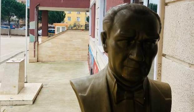 Atatürk büstüne zarar veren kişi yakalandı