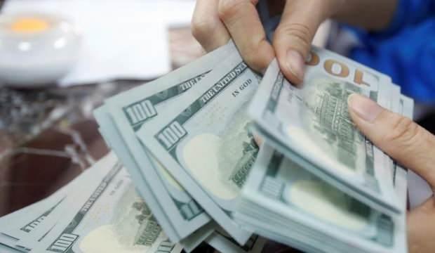 Dolar Merkez Bankası'nı bekliyor