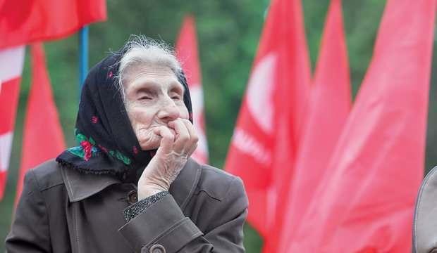 Ukrayna'da kadınların emeklilik yaşı yükseliyor