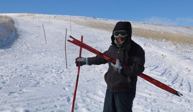 Tam 73 yaşında! Kendi yaptığı kayak pistinde kayıyor