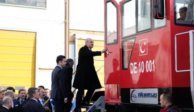 Bakan Turhan, ilk yerli ve milli dizel elektrikli lokomotifi kullandı