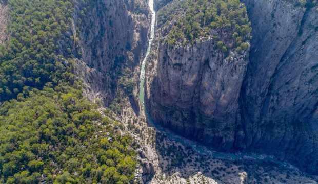 Mevsimlerin ötesinde bir yer: Tazı Kanyonu, yaz-kış turist ağırlıyor