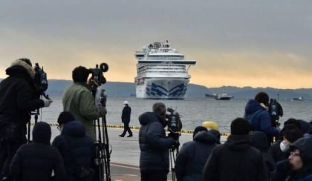 Karantinaya alınan gemiden kötü haber! Koronavirüs alarmı