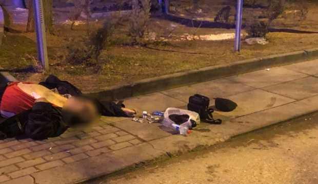 Sokak ortasında fenalaşan adam hayatını kaybetti
