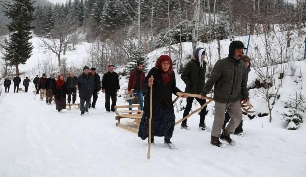 Türkiye'nin en sakin şehri Artvin'de kızak geleneği