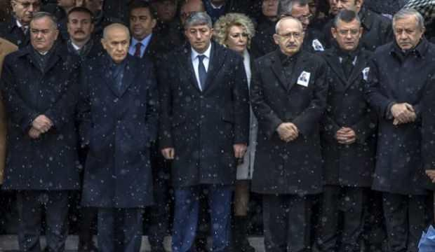 Bahçeli, Kılıçdaroğlu ve Akşener aynı cenazede yan yana geldi