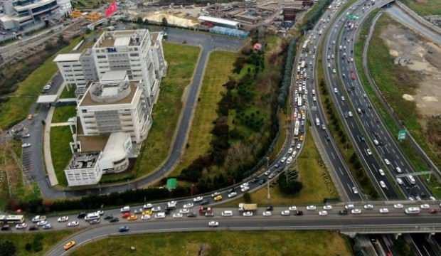 Bitmeyen metro inşaatları İstanbul trafiğini kilitliyor