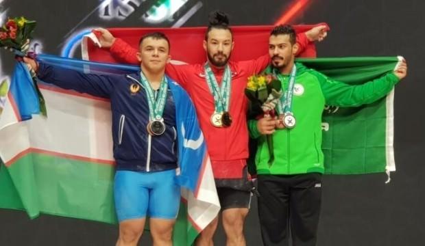 Daniyar İsmayilov, Özbekistan'da 3 altın madalya kazandı
