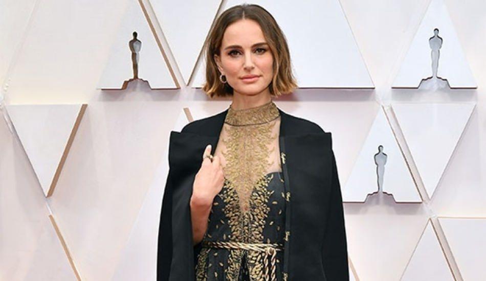 Natalie Portman'dan Oscar kıyafeti üzerinden kadın yönetmenlere destek