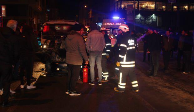 Tekirdağ'da otomobil duran araçlara çarptı: 4 Yaralı