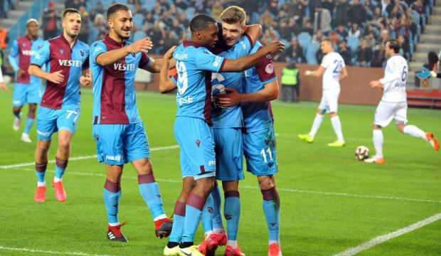 Trabzonspor'da bir ilk! 1 milyar TL'yi aştı
