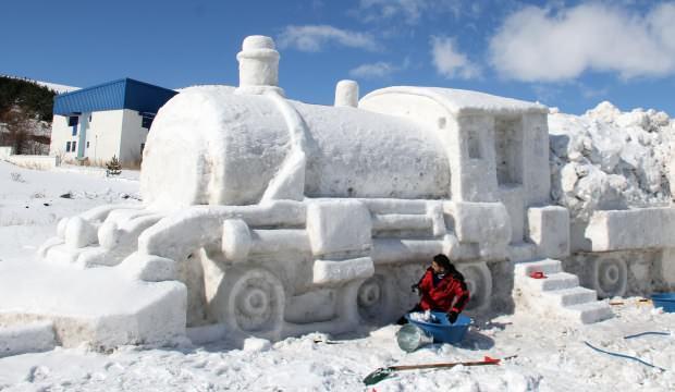 Ardahan'da şaşırtan görüntü! Kardan Doğu Ekspresi yaptılar