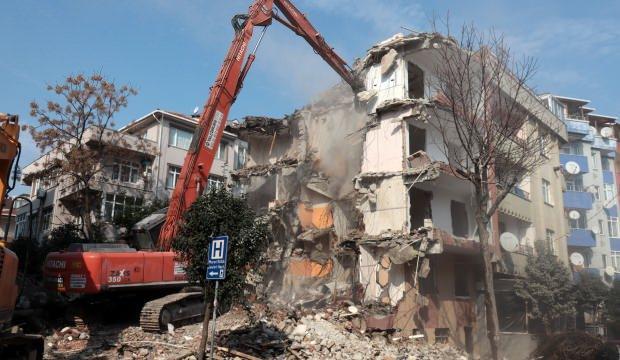 Avcılar'daki olay bina böyle yıkıldı