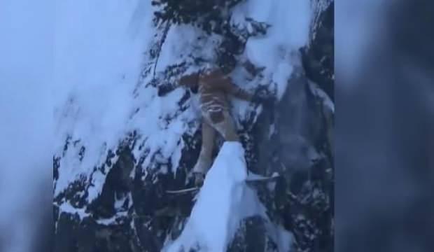 Kayağı kayalara sıkışınca... Dehşet anları