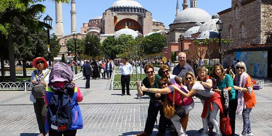 Türkiye turizm gelirlerinde liderliğe koşuyor: Avrupa'da 6'ıncı oldu