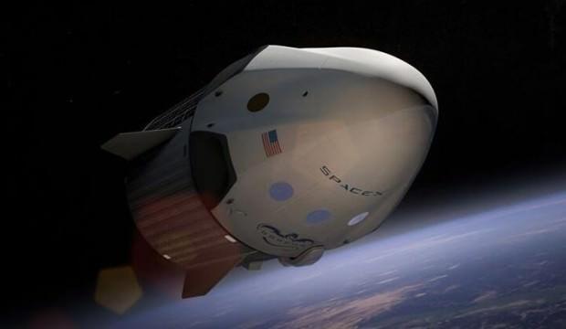 Uzay turizmi başlıyor! 4 şanslı kişi serbest uçuş yapacak