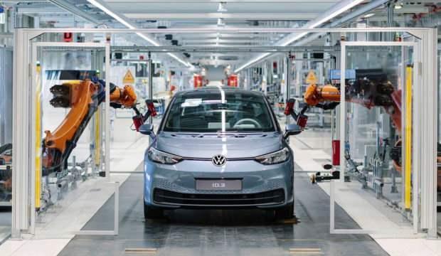 Volkswagen Almanya'da üretime geçti