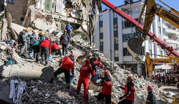 Deprem bölgesinde görev yapanlara sürpriz ödeme