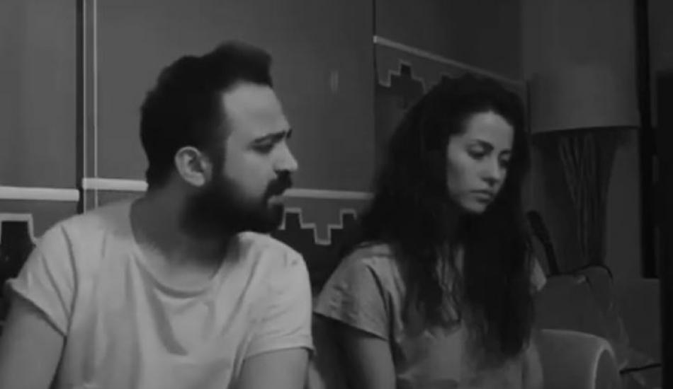 Derya Uluğ ve Asil Gök'ün Mehmetçik şarkısı ağlattı!