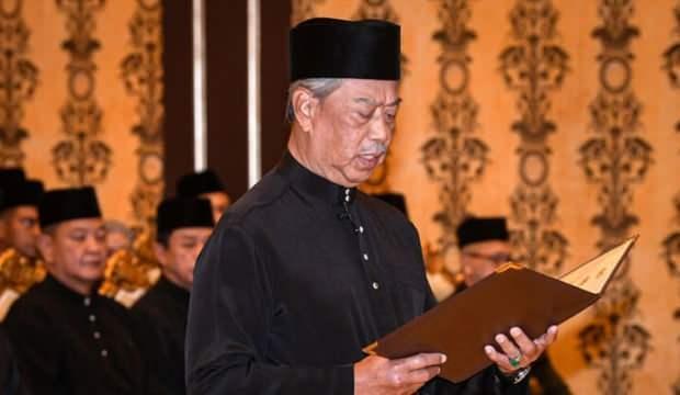 Malezya'nın yeni Başbakanı Muhyiddin Yasin yemin edip görevine başladı