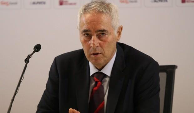 Adanaspor'da teknik direktörlüğe Coşkun Demirbakan getirildi