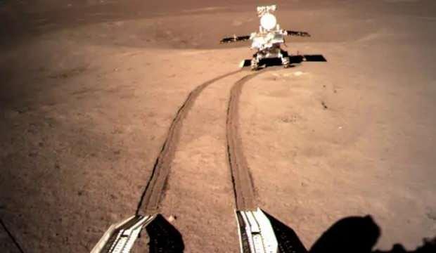 Ay'ın karanlık tarafında yaklaşık 400 metre yol katetti