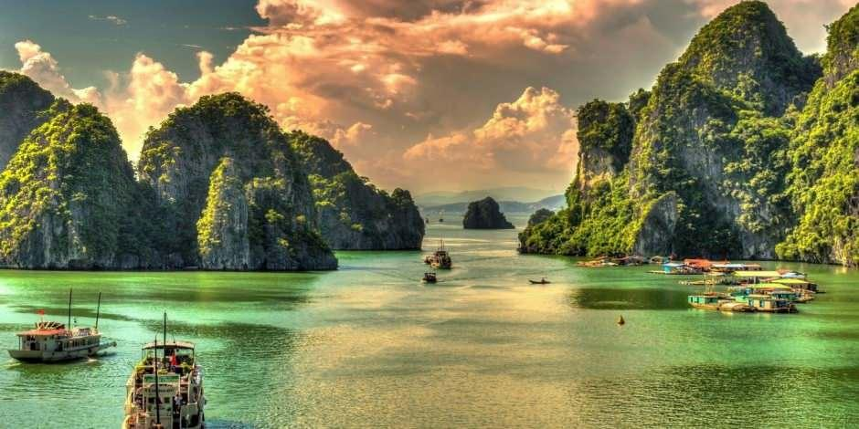 Halong Körfezi milyonlarca yıl öteden günümüze uzanıyor