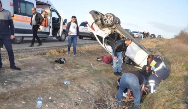 Tekirdağ'da iki otomobil çarpıştı: 4'ü çocuk 7 yaralı