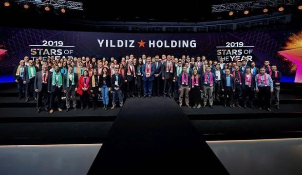 """Yıldız Holding """"Senenin Yıldızları""""nı ödüllendirdi"""