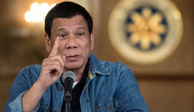 Filipinler'de koronavirüs önlemi! Duterte'ye dokunmak yasaklandı