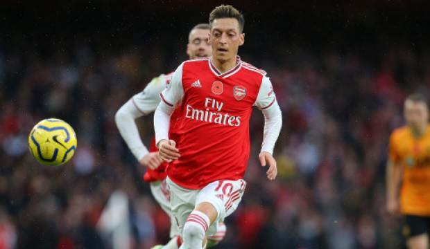 Mesut Özil: Futbolun şu anda önemi yok