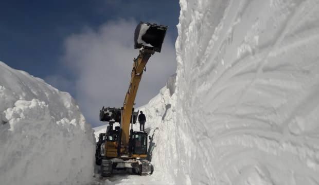 Hakkari'de kar kalınlığı 10 metreyi buldu