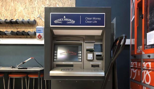 Türkler geliştirdi! Kağıt paraları ATM içinde dezenfekte eden sistem