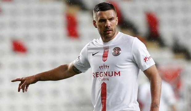 Podolski: Maaşta ilk fedakarlığı yapmaya hazırım